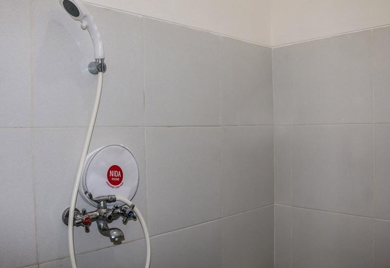 NIDA Rooms Sun House Raya 24 Lenkong - Kamar mandi