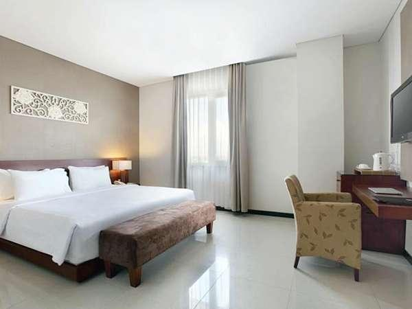 Hotel Santika Bengkulu - Deluxe Room King Regular Plan