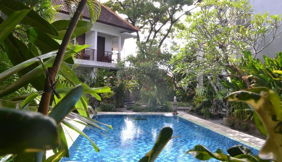 Pondok Sari Hotel Bali - Pemandangan Kolam Renang