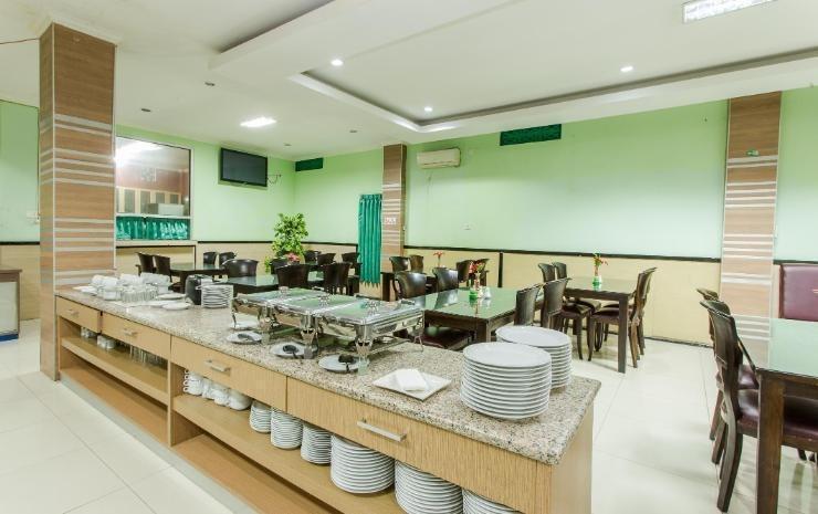 Hotel Herly Syariah Balikpapan - Restaurant