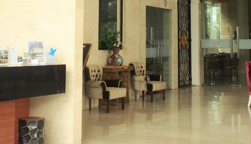 Hotel Marilyn South Tangerang - reception