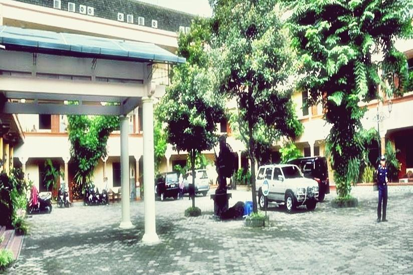 Hotel Pramesthi Solo - Eksterior