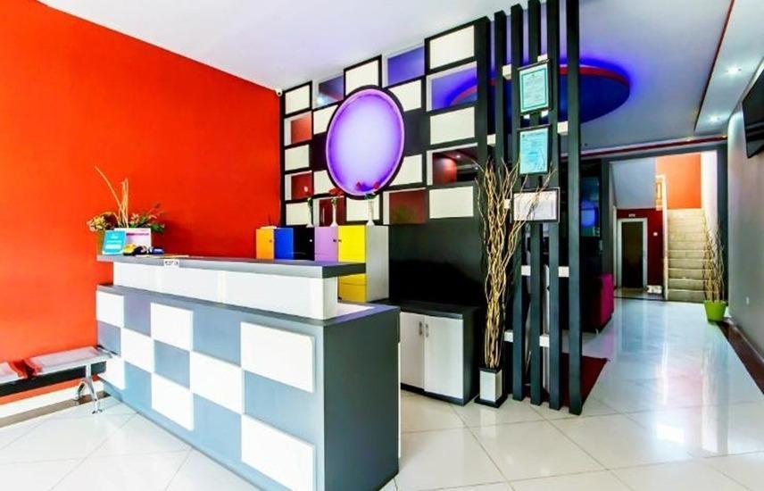 De'Kayakini Hotel Bandung - Resepsionis