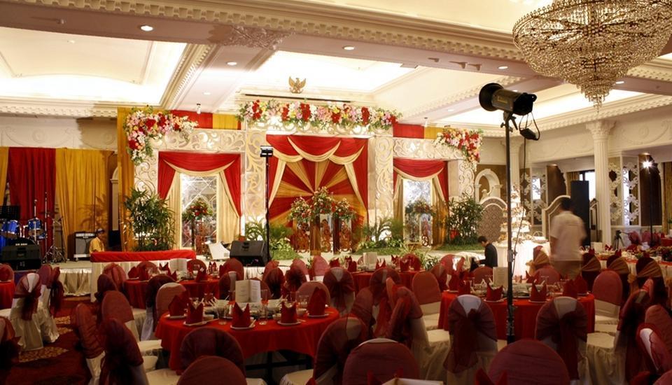 Garden Palace Surabaya - Caesar Palace Ballroom