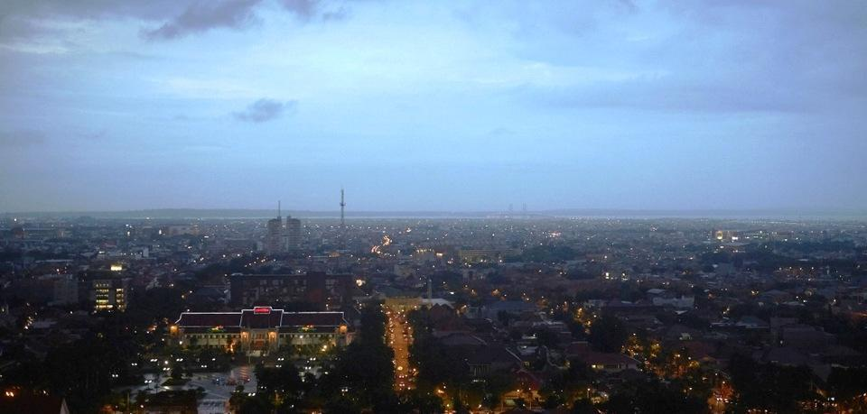 Garden Palace Surabaya - pemandangan Jembatan SURAMADU