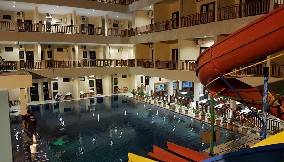 d'BILZ Hotel Pangandaran - Pool