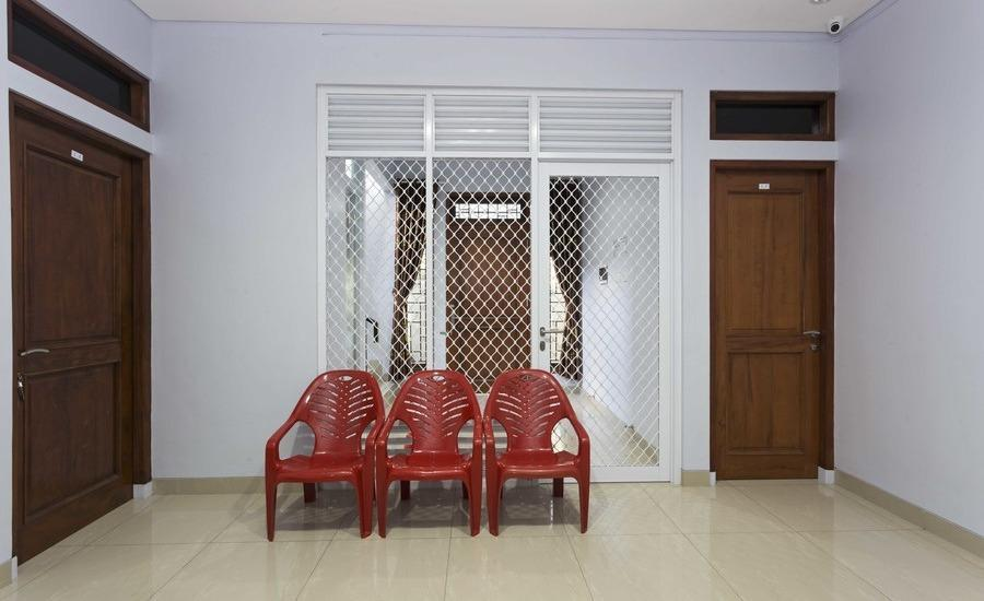 RedDoorz @ Duri Kosambi Jakarta - Interior