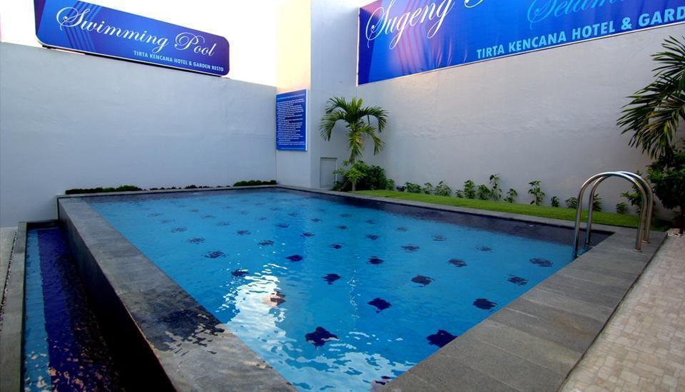 Tirta Kencana Hotel Yogyakarta - Kolam Renang