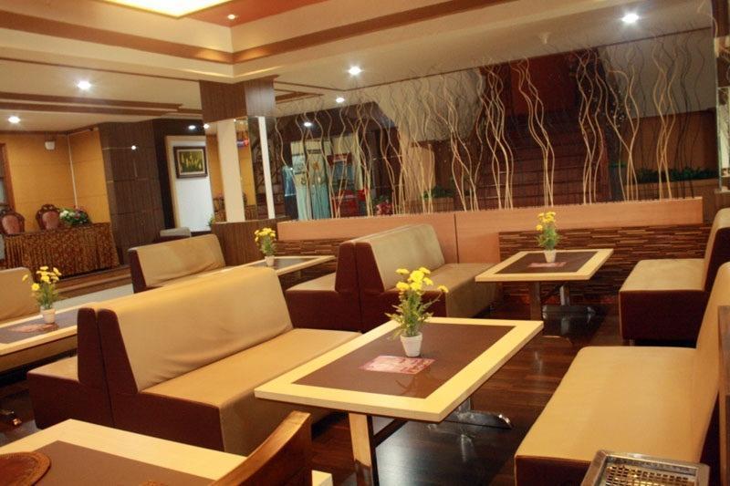 Hotel EFA Banjarmasin - n