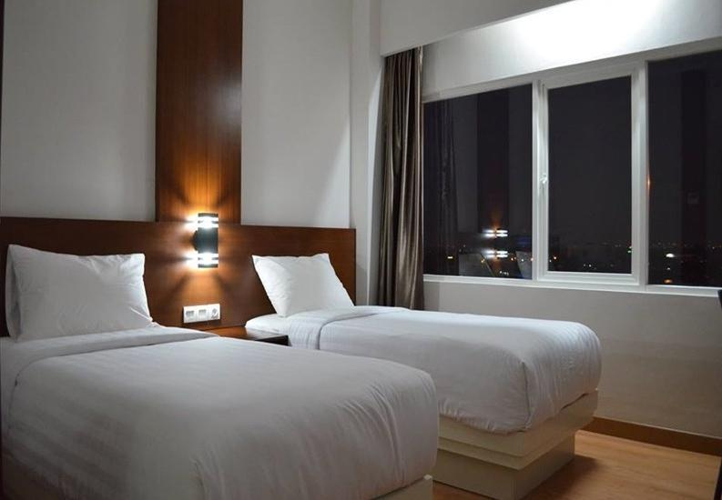 NJ Hotel Semarang - Superior with Breakfast Regular Plan