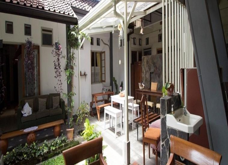 RedDoorz @Setrasari Bandung - Eksterior