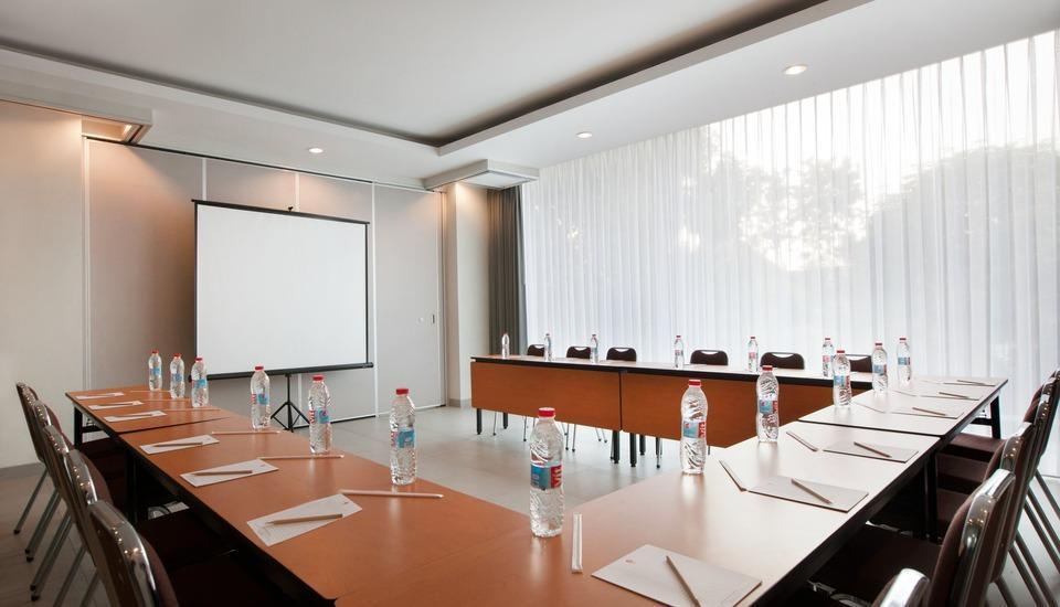 Amaris Hotel Bintoro Surabaya - Meeting Room