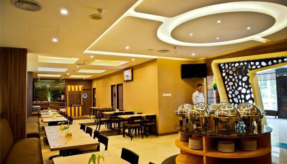 Biz Hotel  Batam - Restoran Henley