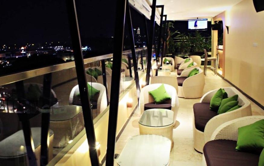 Biz Hotel  Batam - JWO Sky Lounge