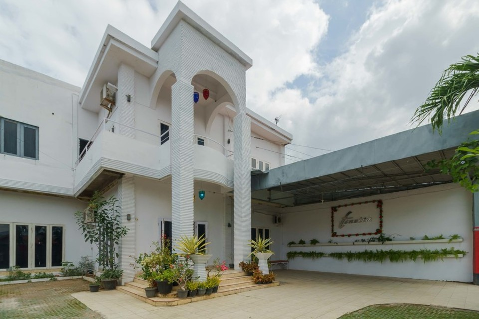 RedDoorz Syariah near Museum Tsunami Aceh 2