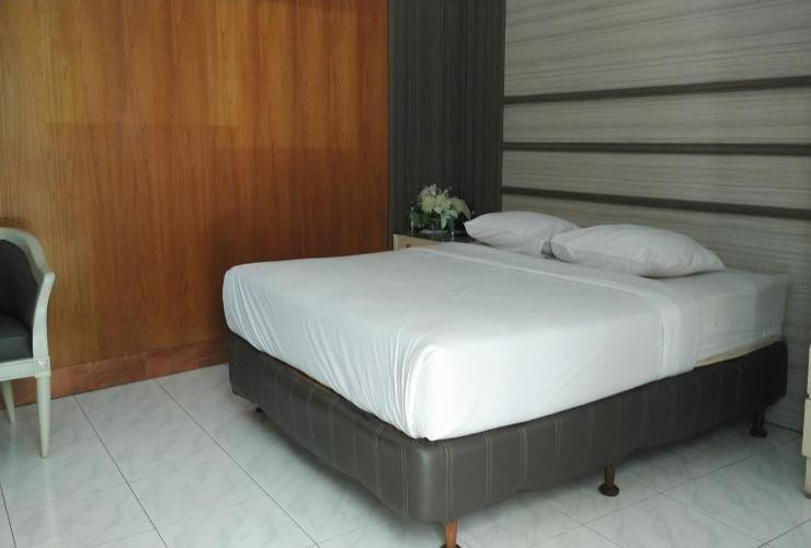 Safari Hotel Jember - Deluxe Room Regular Plan