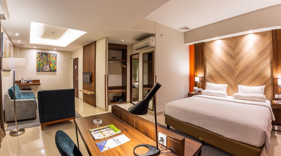 Great Diponegoro Hotel by Azana Surabaya - Suite Room Regular Plan