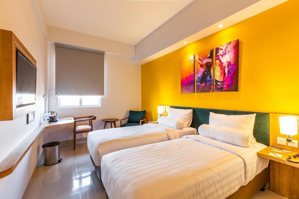 Great Diponegoro Hotel by Azana Surabaya - Deluxe With Breakfast Deluxe Twin Promo