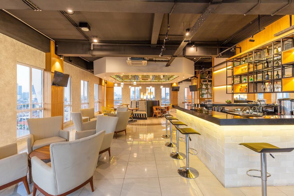 Great Diponegoro Hotel by Azana Surabaya - Sky Lounge