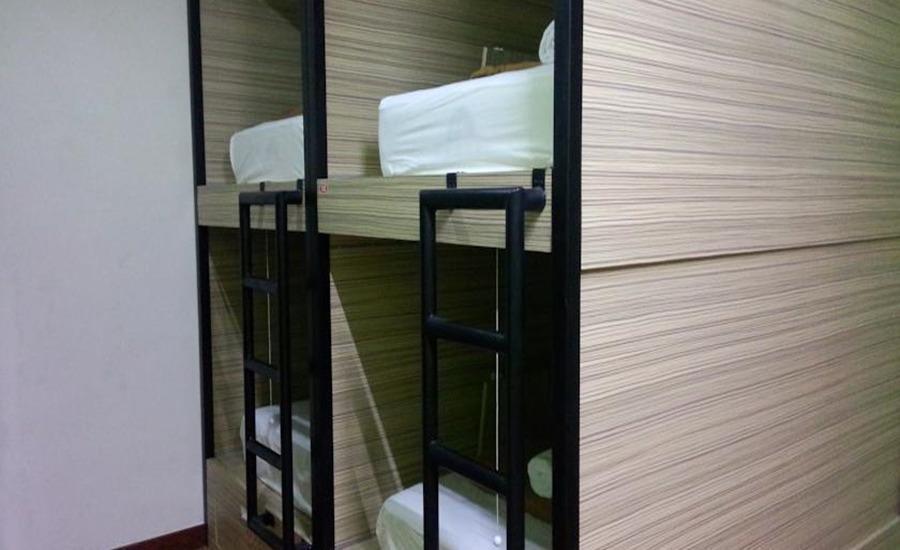 CX Hostel Kuta Raya Bali - Tempat tidur kapsul