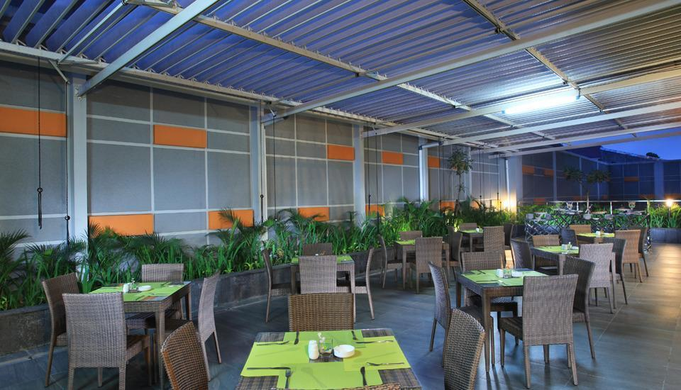 Zest Hotel Sukajadi Bandung - Terrace
