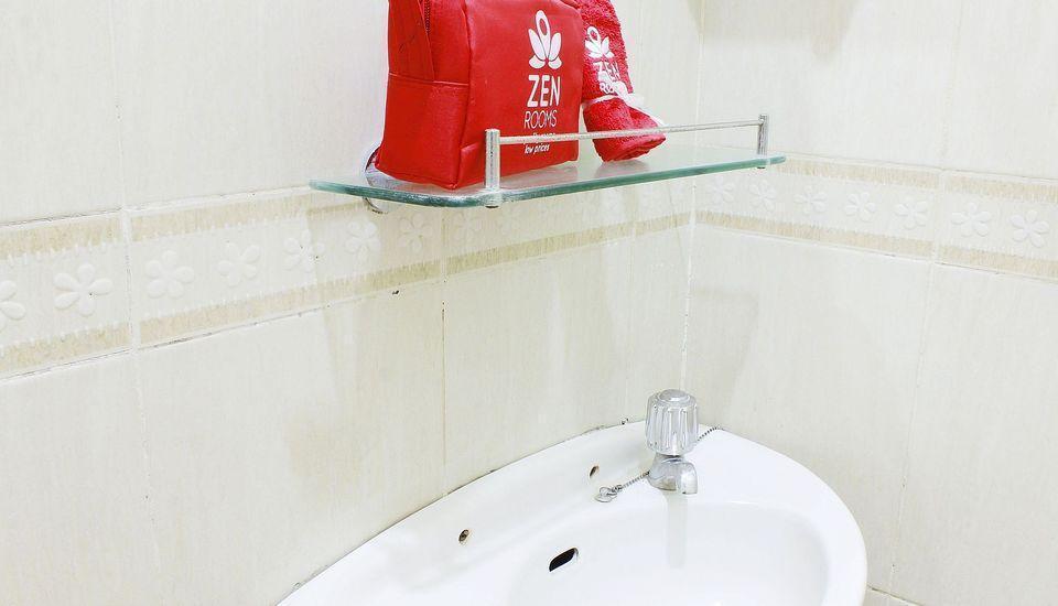 ZEN Rooms Setiabudi 9 Jakarta - Kamar mandi