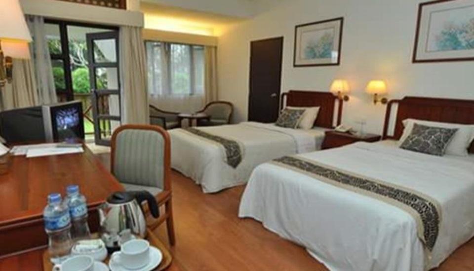 Theme Park & Resort Hotel Pantai Cermin Serdang Bedagai - Deluxe Room Regular Plan