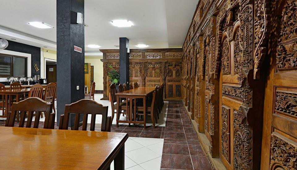 ZenRooms Palasari - Restoran