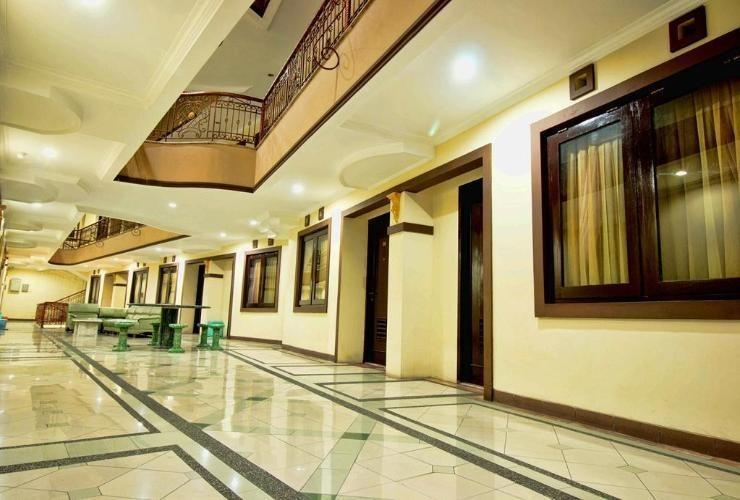 Amellia Pasteur Hotel Bandung - Corridor