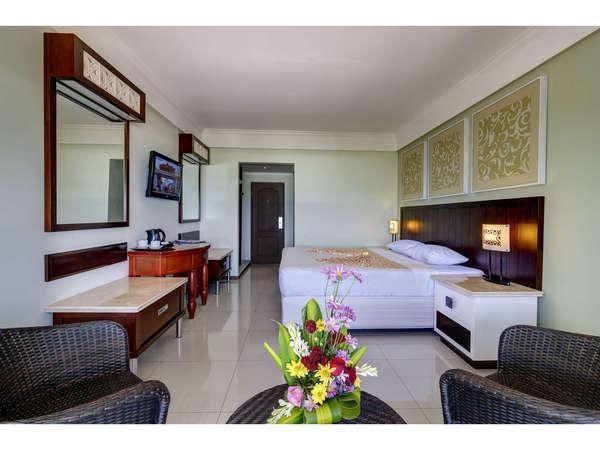 Maharani Beach Hotel Bali - Kamar Deluxe Pemandangan Laut dengan pemandangan