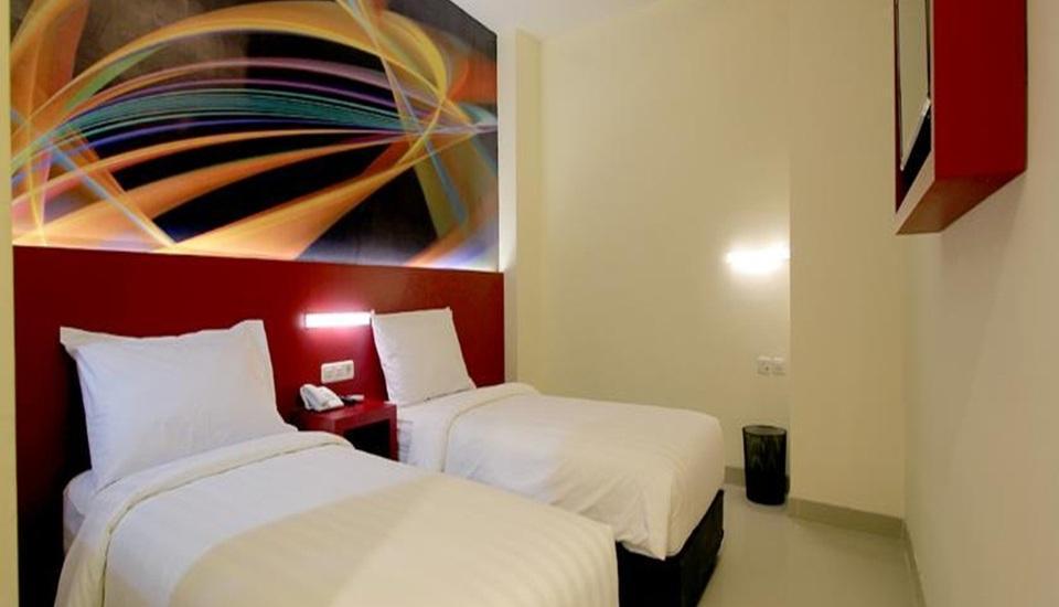 Fariz Hotel Malang - Superior Twin Room Only Regular Plan