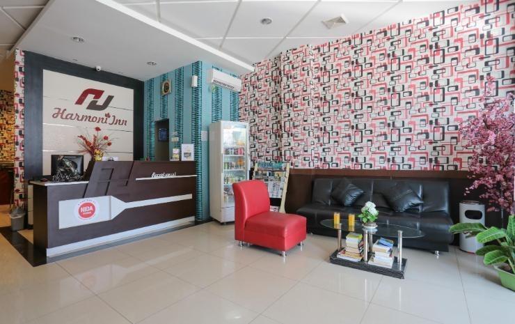 Harmoni Inn Makassar - Receptionist