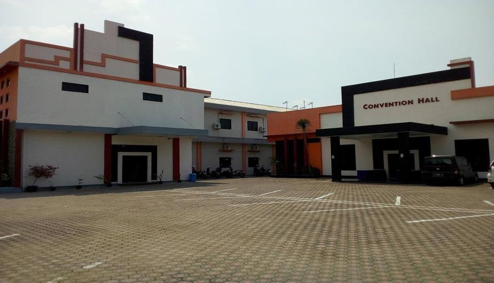 Anggraeni Hotel Jatibarang Brebes - Exterior