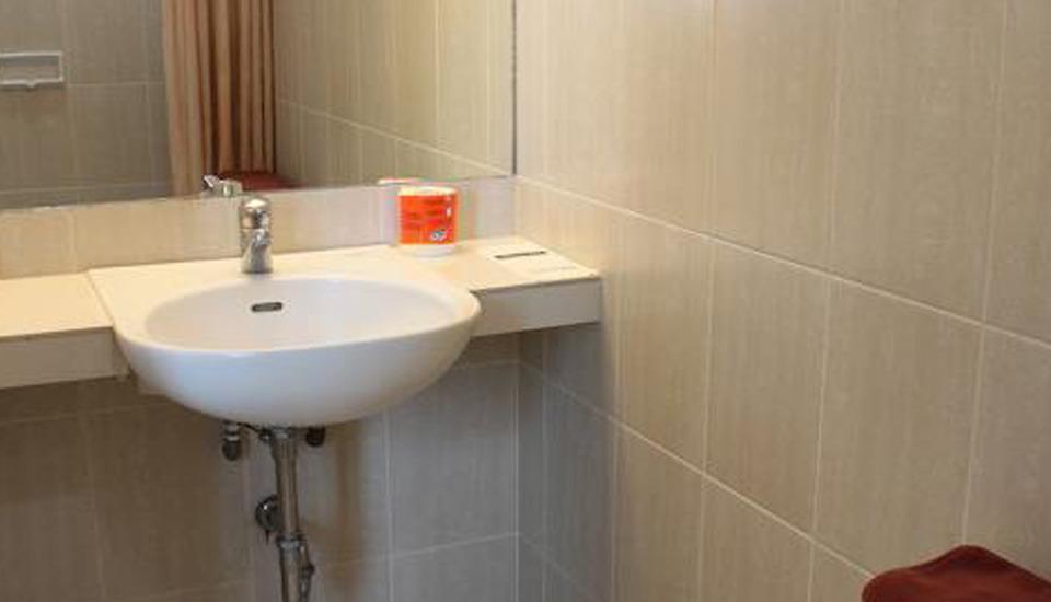 Losari Blok M Hotel Jakarta - Bath Room