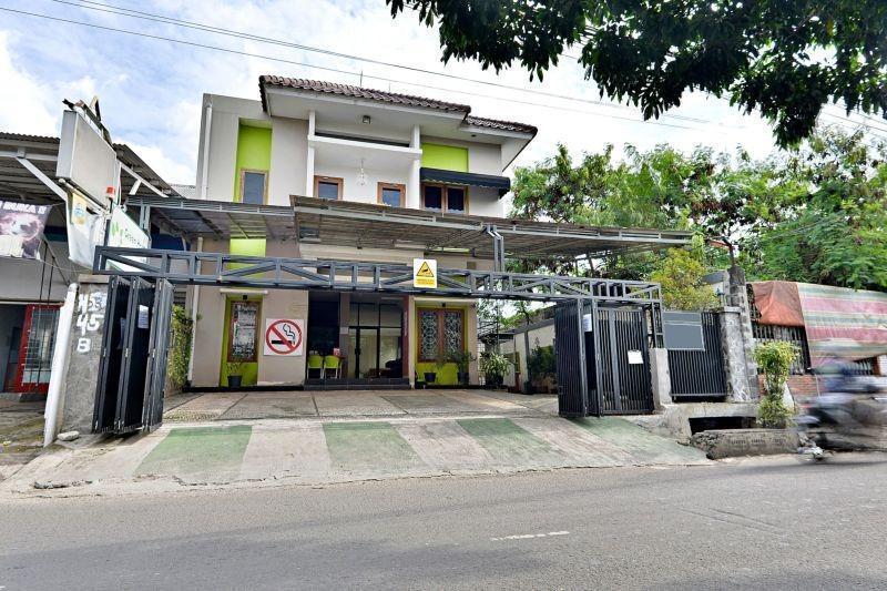 ZenRooms Cipete Utara Jakarta - Tampak luar