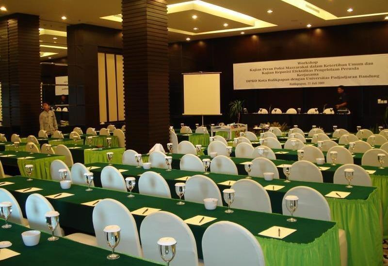 Zurich Hotel Balikpapan - Meeting Room