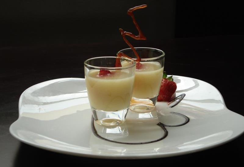 Zurich Hotel Balikpapan - Meal