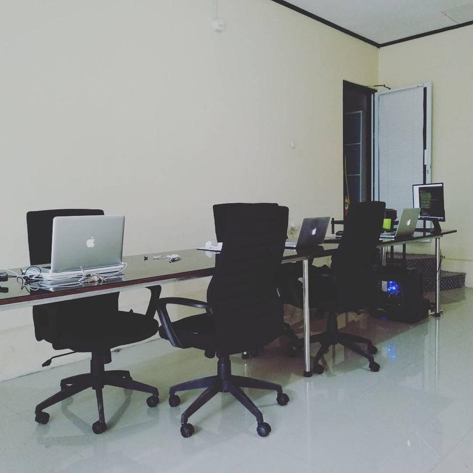 Manado Pod House Manado - Area Lobi dan pintu masuk ke ruang kamar Bunaken