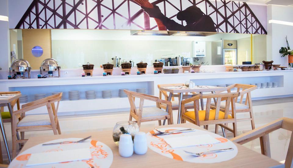 HARRIS FX Sudirman - Harris Cafe