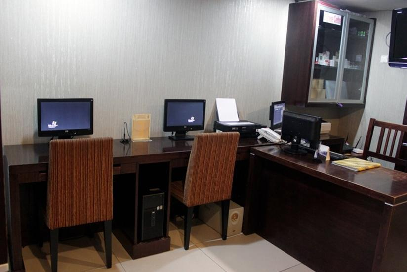 Royal Jelita Hotel Banjarmasin - Business Center
