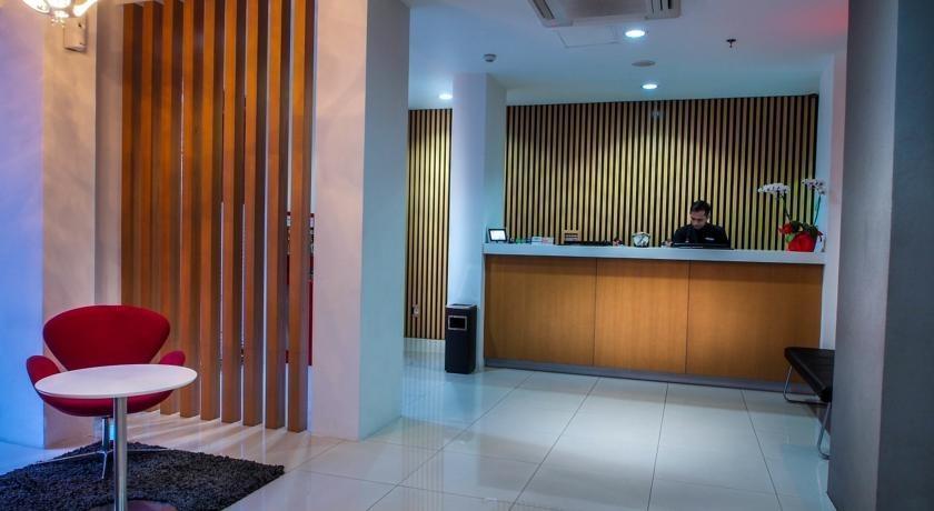 M Hotel  Jakarta - Reception