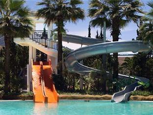 Yasmin Resort Puncak - Kolam Renang