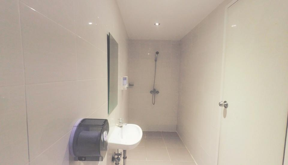 City One Hotel Semarang - BATH ROOM