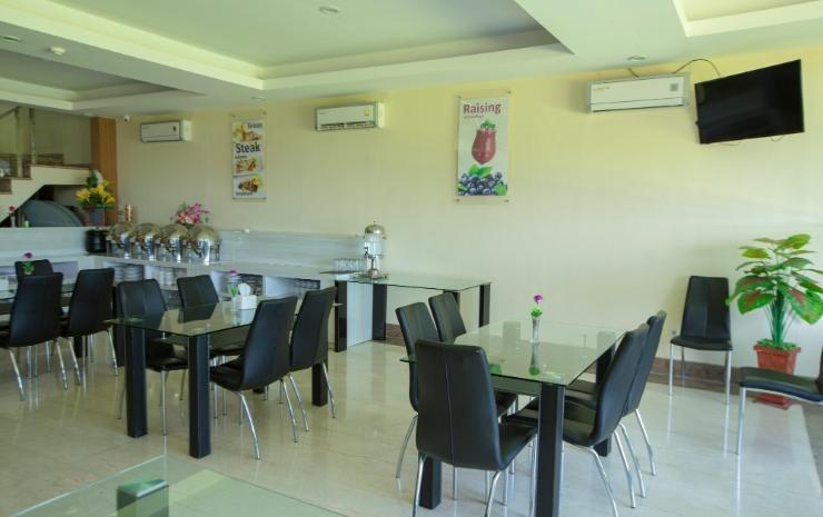Hotel Raising Makassar Makassar - Resto