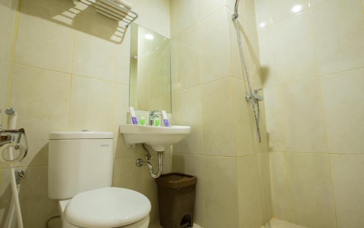 Hotel Raising Makassar Makassar - Kamar Mandi
