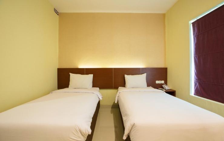 Hotel Raising Makassar Makassar - Silver Room Only Regular Plan