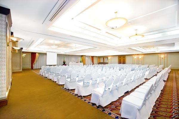 Hotel Menara Peninsula Jakarta - Merica Room