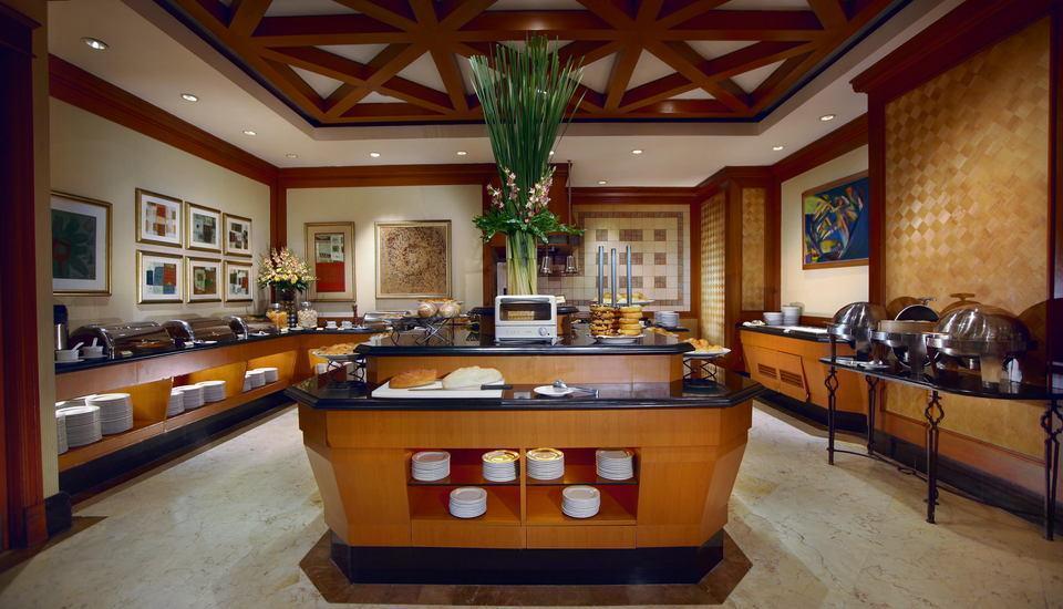 Hotel Menara Peninsula Jakarta - Kafe Coleman