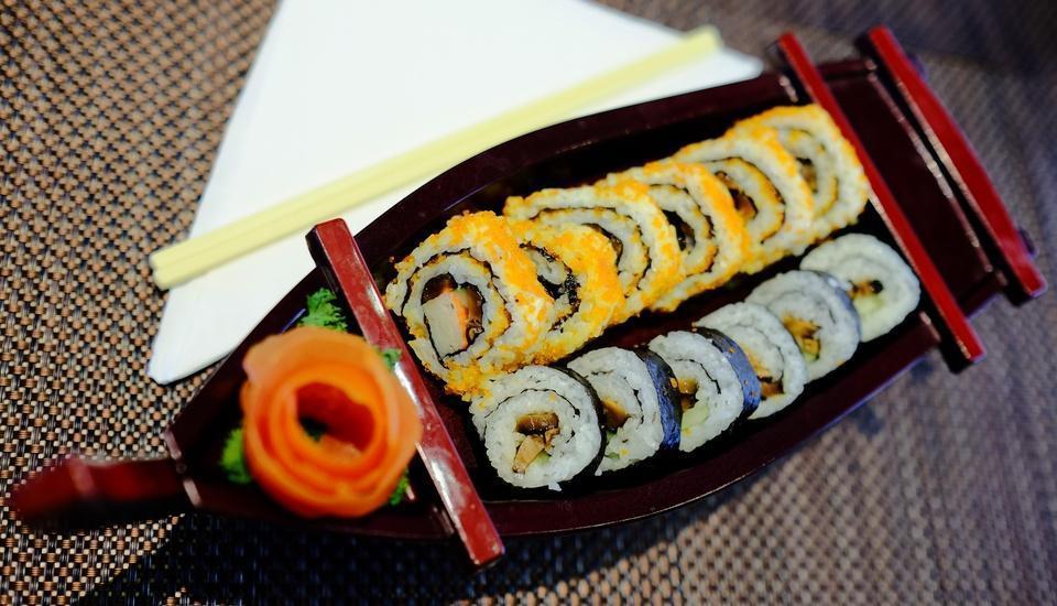 Horison Hotel Jababeka - Sushi