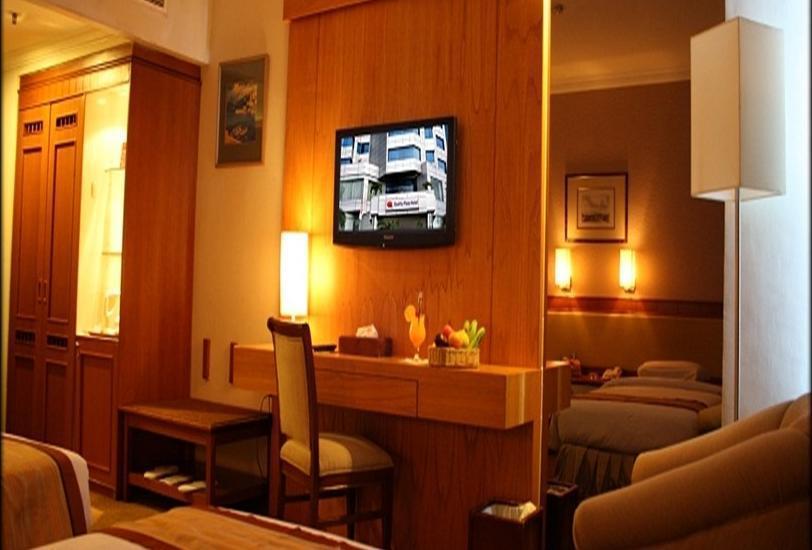 Quality Plaza Hotel Makassar - Kamar tamu